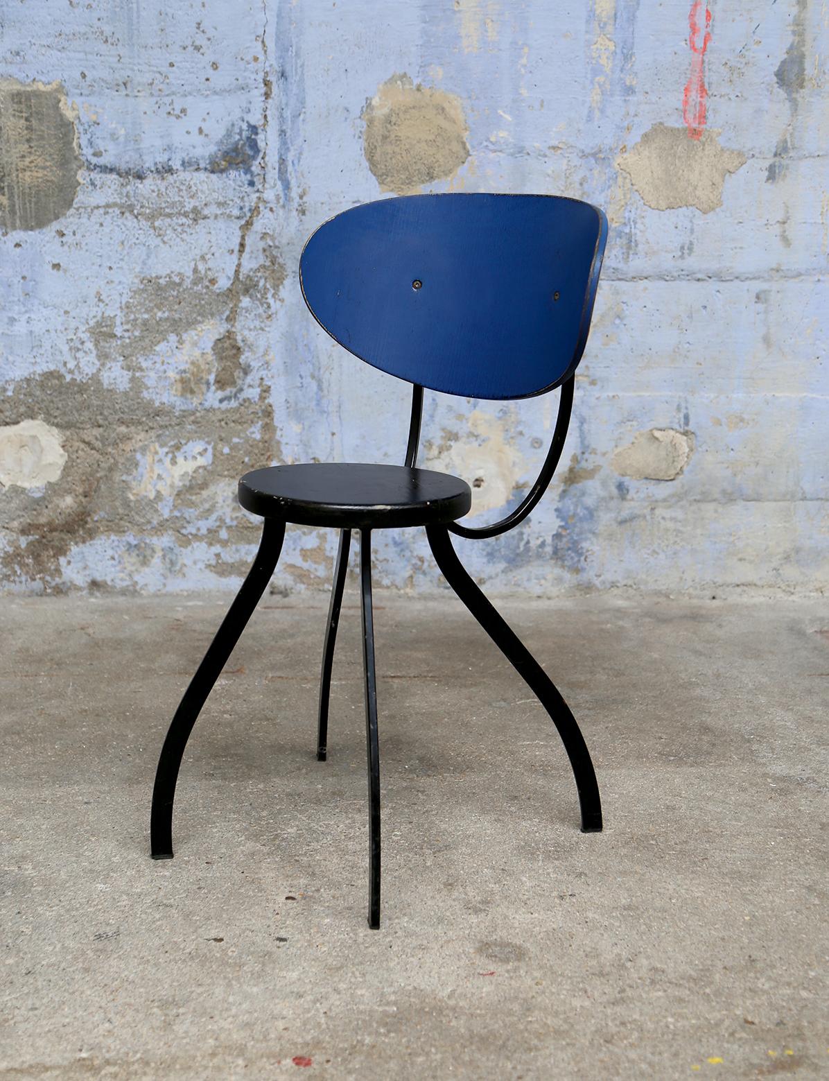 Ancienne Chaise bleue